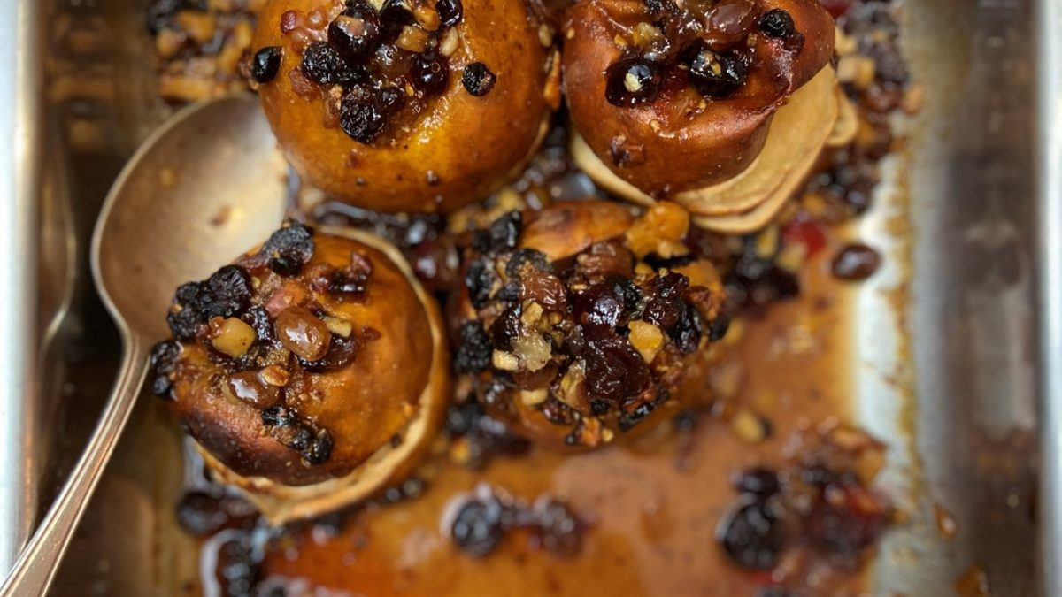 Baked apples with mincemeat
